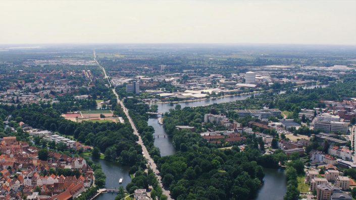 Drohnenaufnahmen, Lübeck, Stadt, Luftaufnahmen, 4K